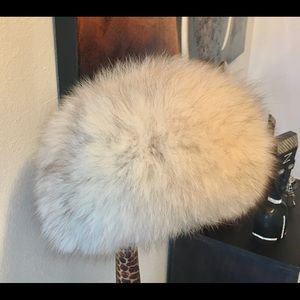 Fox fur hat bought in Europe nwot retai $500